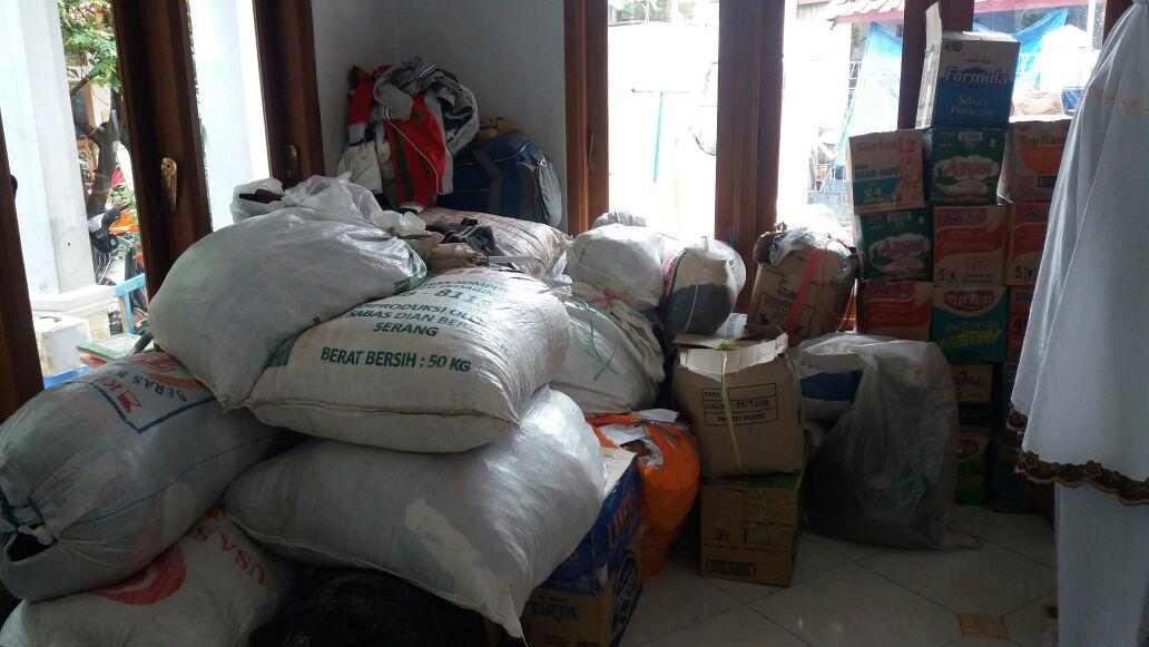 peduli-banjir-garut-aktivis-peneleh