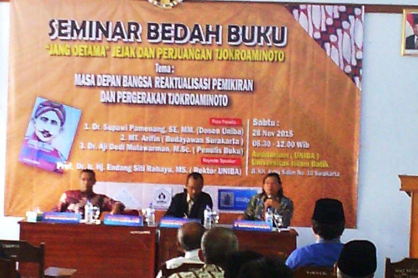 seminar_bedah_buku_jang_oetama_hos_tjokroaminoto_cokroaminoto_solo_surakarta_universitas_islam_batik_aji_dedi_mulawarman_hmi_rumah_peneleh (1)