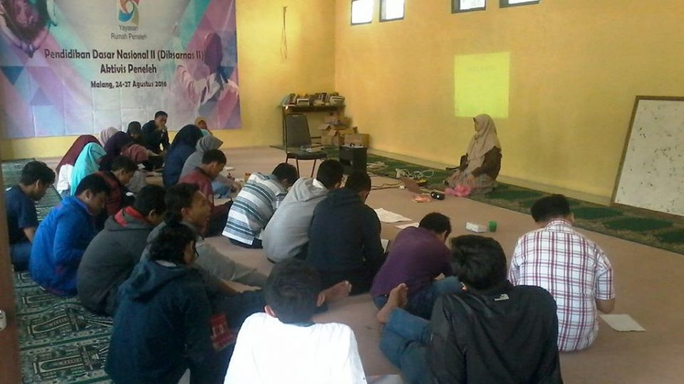 beasiswa-aktivis-peneleh-training-ari-kamayanti-kebangsaan-indonesia
